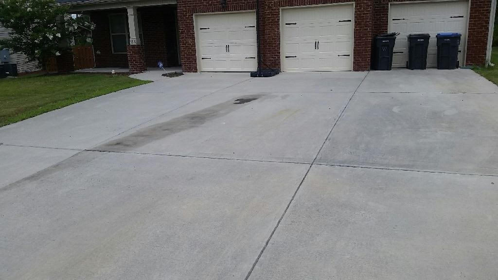 Will f 18 clean new oil stains on this concrete driveway for Getting grease off concrete